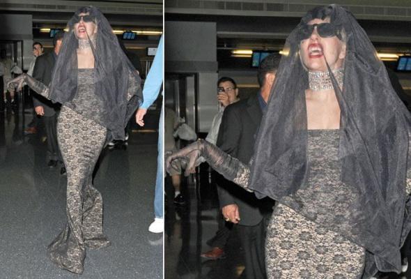 Леди Гага: 40луков, которые потрясли мир - Фото №26