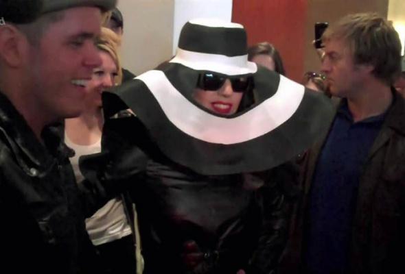 Леди Гага: 40луков, которые потрясли мир - Фото №32