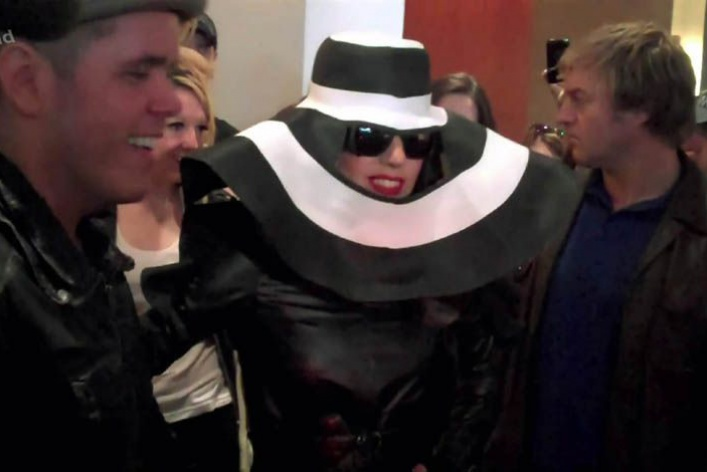 Леди Гага: 40луков, которые потрясли мир