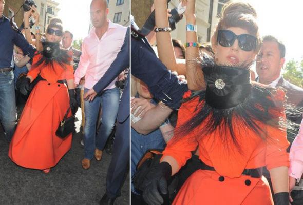 Леди Гага: 40луков, которые потрясли мир - Фото №34