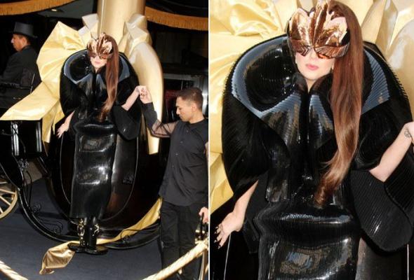 Леди Гага: 40луков, которые потрясли мир - Фото №36