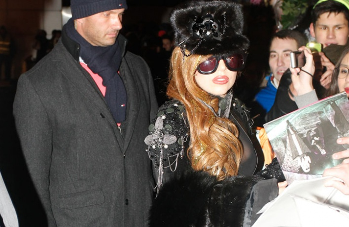 Леди Гага прилетела вМоскву