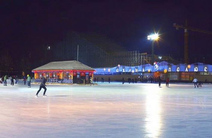 ВЛужниках открываются зимний парк икаток