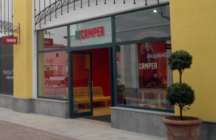 ВOutlet Village можно купить обувь Camper сбольшой скидкой