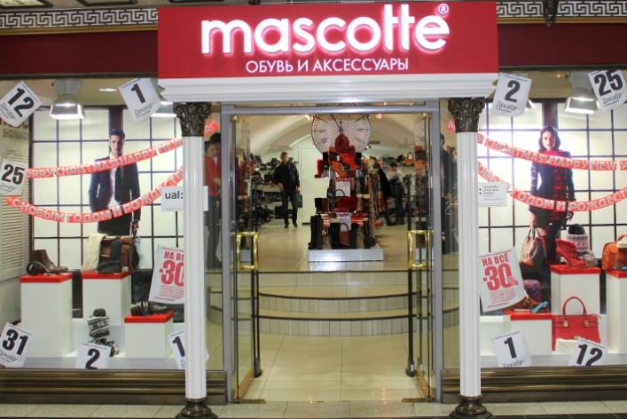 Лондонский колледж Central Saint Martins оформил витрины Mascotte
