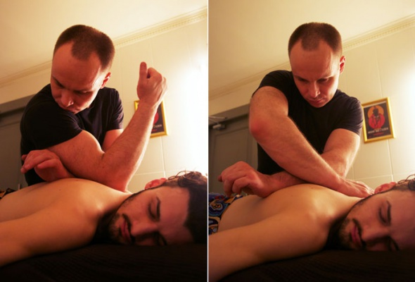 Вбарбершопе Mr. Right делают массаж свиски - Фото №1