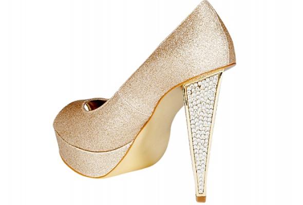 Где найти: Блестящие туфли - Фото №0