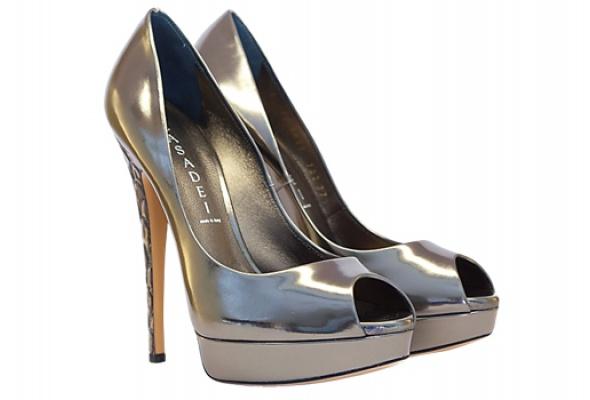 Где найти: Блестящие туфли - Фото №3