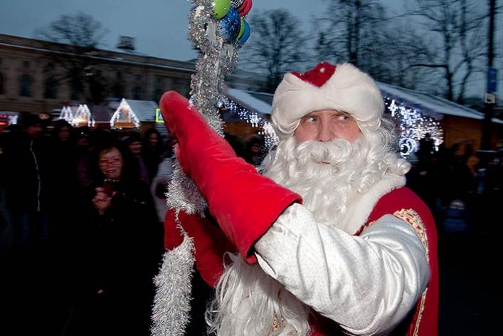 Духовой оркестр снеговиков наРождественской Ярмарке