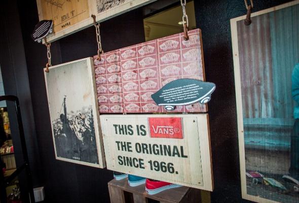В«Охотном Ряду» открылся самый большой Vans вРоссии - Фото №7