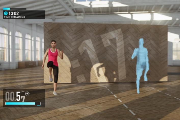 Фитнес скомпьютерным тренером изпрограммы Nike + Kinect Training