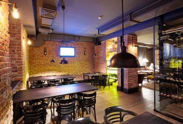 Винный бар как бомбоубежище - Фото №4