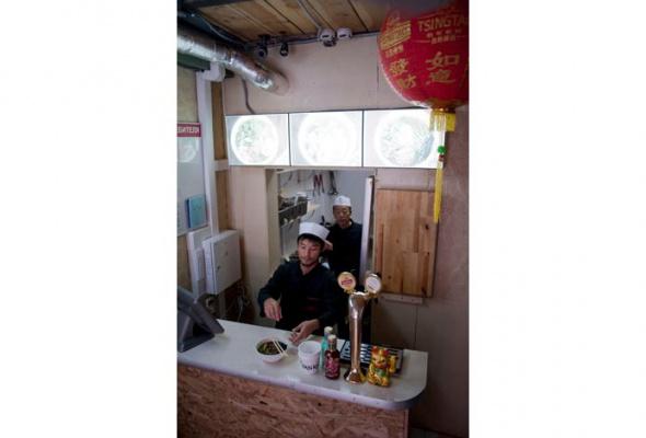 «Основная функция азиатской лапшичной— просто, быстро, дешево» - Фото №5