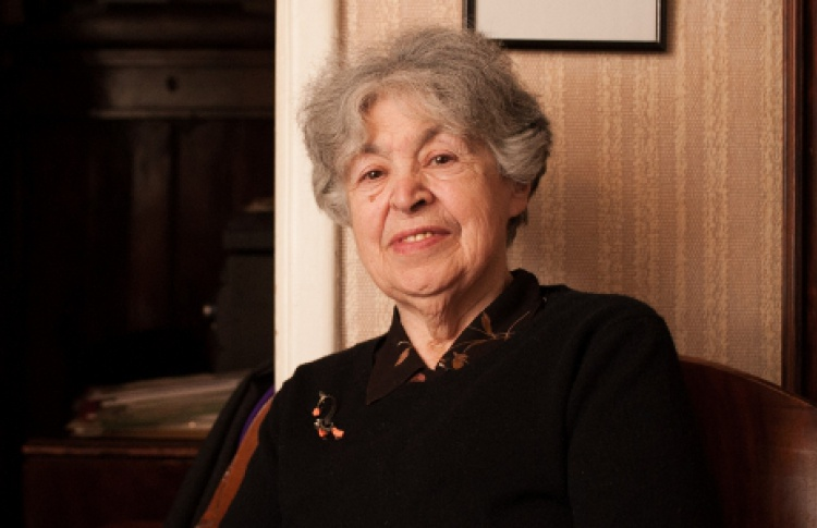 Нина Демурова