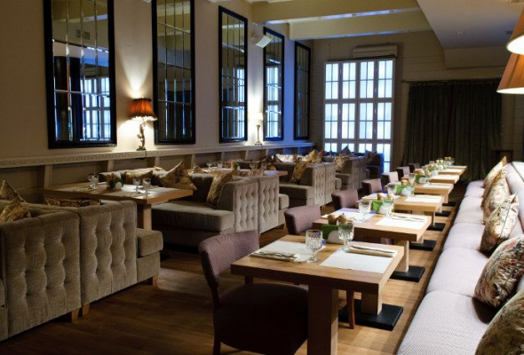 «Нам было уютно вэтом пустом симпатичном ресторане» - Фото №0
