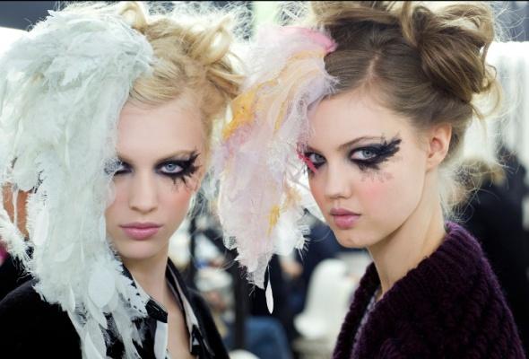 Новые тенденции ввечернем макияже отChanel - Фото №1