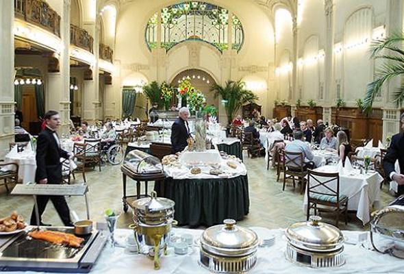 День всех голодных: фондю, суп излобстера ивеницианский карнавал - Фото №8