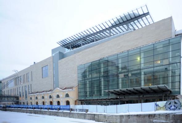 Совторой сцены Мариинского театра сняли строительные леса - Фото №1