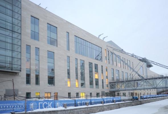 Совторой сцены Мариинского театра сняли строительные леса - Фото №4