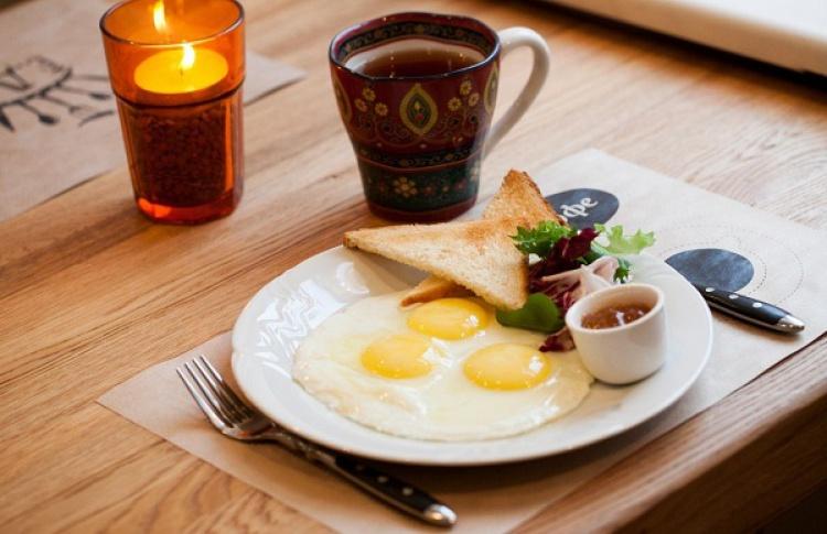 ЕДА и кофе на Лебедева