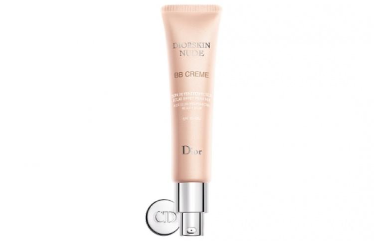 Dior выпустил BB-крем срозовым спецэффектом