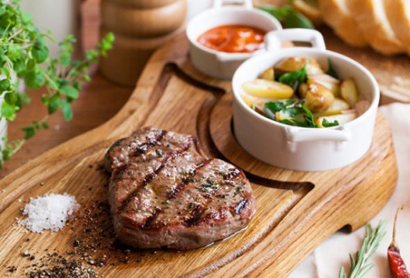 Мужское меню: домашнее сало, бульон вподстаканнике итонна мяса - Фото №7