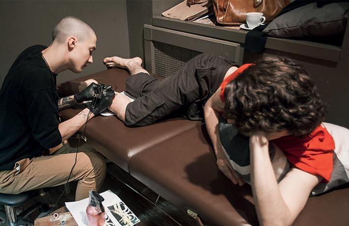 «Татуировщику лучше довериться вовсем, здоровее будете»