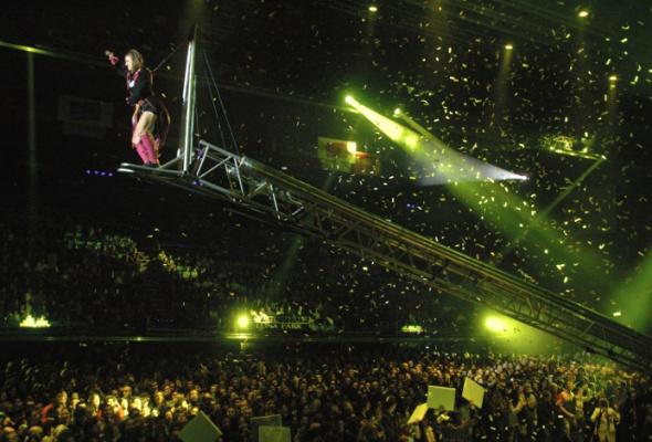 Fuerzabruta. Постмодернистский театр Аргентины - Фото №3