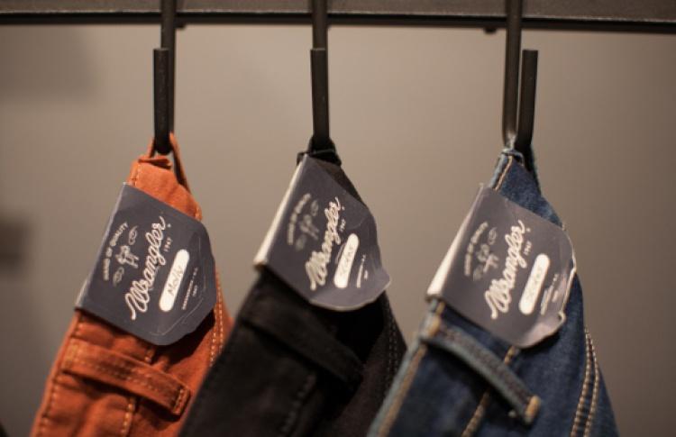 Появился новый джинсовый мультибренд Lee иWrangler
