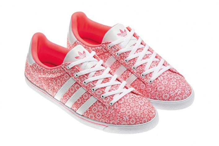 adidas Originals выпустил цветочную коллекцию