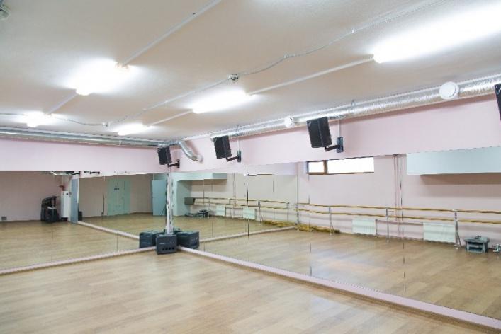 Danza studio: танцы, фитнес, магазин ифотостудия водном месте