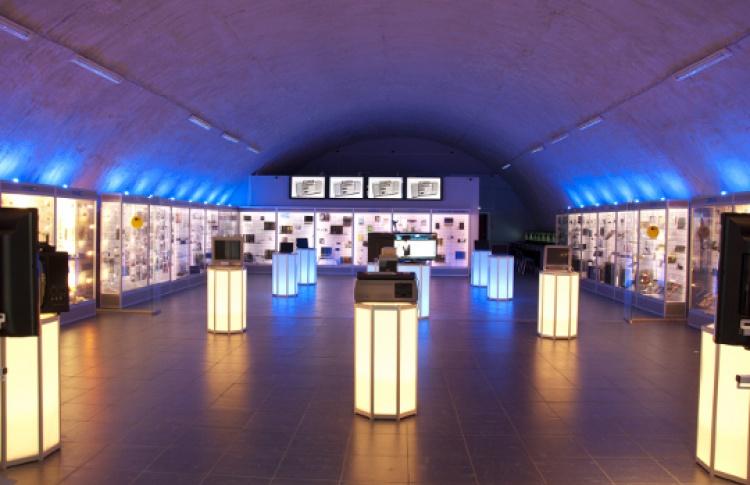 Экскурсия в галерею компьютерной эволюции