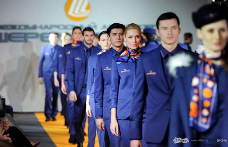 Денис Симачев одел сотрудников «Шереметьево»