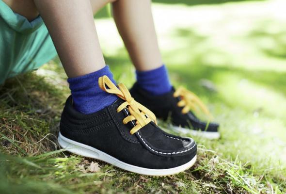 Ecco выпустили разноцветные ботинки-унисекс - Фото №4