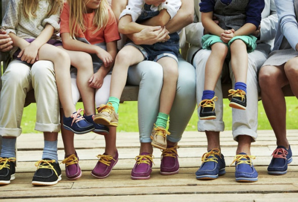 Ecco выпустили разноцветные ботинки-унисекс - Фото №1