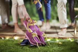 Ecco выпустили разноцветные ботинки-унисекс