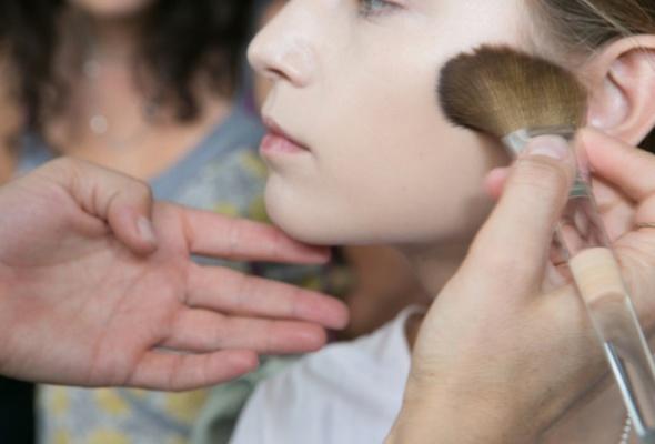 Инструкция посозданию весеннего макияжа - Фото №4