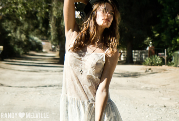 Весенний лукбук Brandy Melville - Фото №10