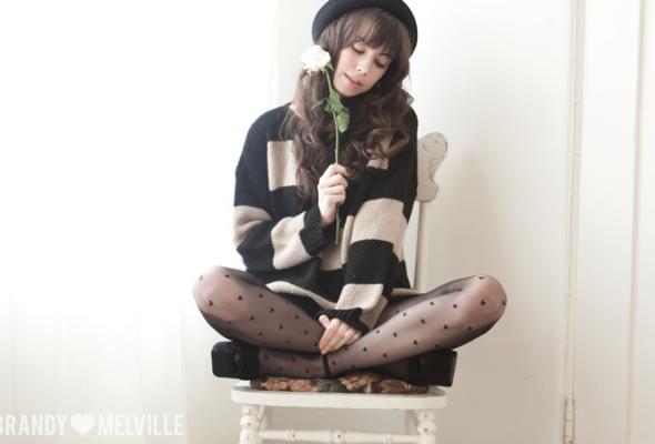 Весенний лукбук Brandy Melville - Фото №17