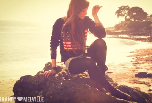 Весенний лукбук Brandy Melville - Фото №18