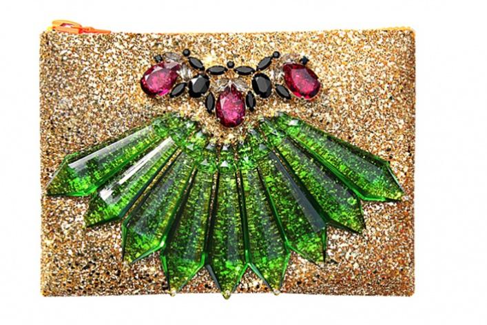 ВЦУМе продаются нарядные клатчи Mawi