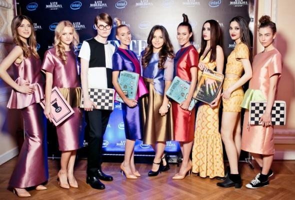 Дизайнер Катя Добрякова создала клатчи для Ultrabook™ - Фото №6