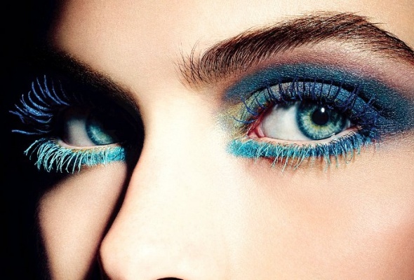 Летняя коллекция макияжа CHANEL— L'ete Papillon - Фото №1