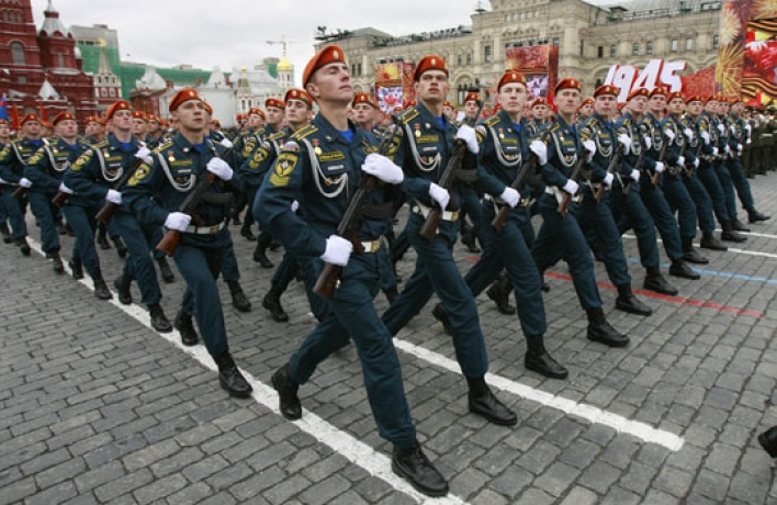 Вцентре ограничат движение из-заночных репетиций парада Победы