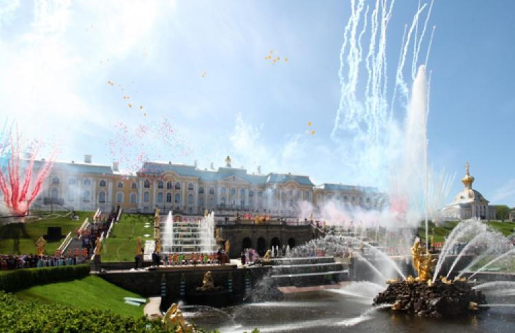 Открытие летнего сезона фонтанов Петергофа