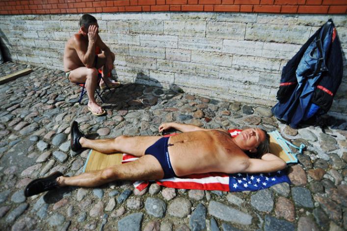 Солнечные ванны наПетропавловке