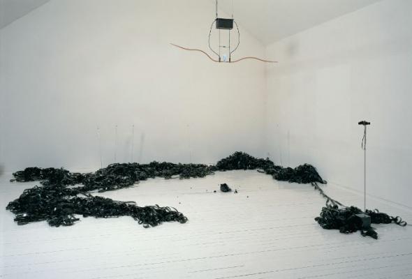 Ребекка Хорн «Меланхоличный торнадо» - Фото №6