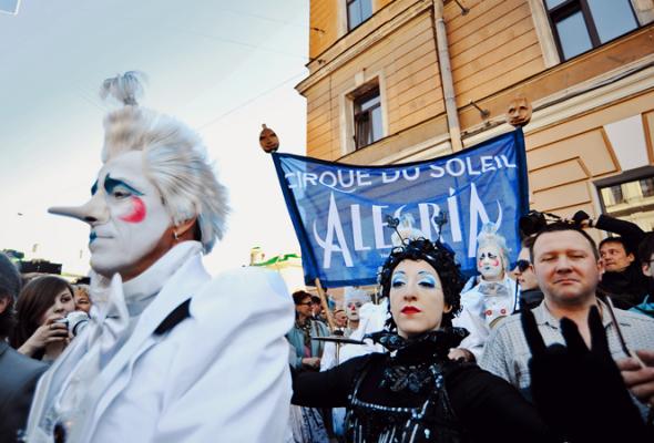 Парад Cirque duSoleil - Фото №6