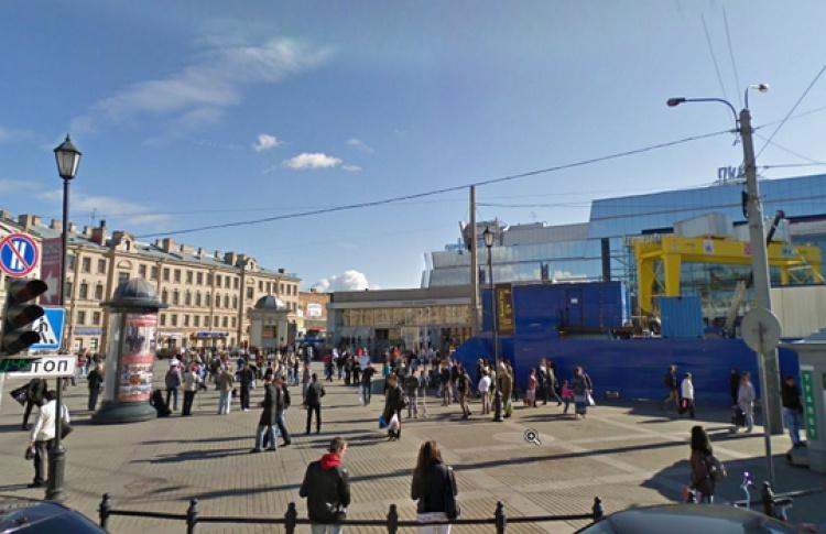 Названа дата открытия «Спасской»— 7ноября 2013 года.