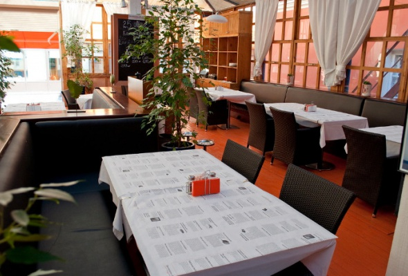 Летние веранды ресторанов - Фото №13